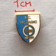 Badge (Pin) ZN006503 - Football (Soccer / Calcio) Italy Valdagno - Football