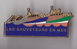 PIN'S THEME SAUVETEURS EN MER  TOUT NEUF  SMS - Boats