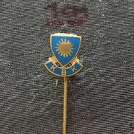 Badge (Pin) ZN006536 - Football (Soccer / Calcio) Sweden KBK Karlstad - Football