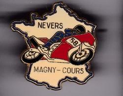Pin's GRAND PRIX DE MAGNY-COURS SIGNE BENAUDY/VAURE - F1