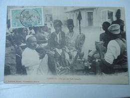 CPA DEVANT UN CAFE SOMALIS DJIBOUTI - Djibouti