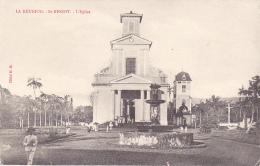 La Réunion - Saint Benoit - L 'Eglise (animation, Fontaine) Circ 1905, Dos Non Cp, Timbre Décollé - Saint Benoît