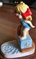 1 PERSONNAGE NAGEUSE PLONGEUSE N° 13 FAIENCE NEUF SPORTS BILLY PRODUCTIONS 1981 TF1 VU A LA TELE - NOTRE SITE Serbon63 - Figurines