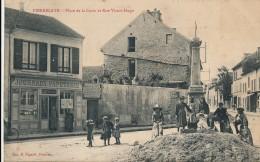 CPA 95 PIERRELAYE Place De La Croix Et Rue Victor Hugo Presse Journaux Papeterie Belle Animation - Pierrelaye