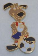 Pin's FOOTBALL USA 94, MASCOTTE D, Signe STARPIN'S  01 - Football