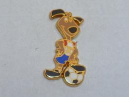 Pin's FOOTBALL, MASCOTTE USA 94  01, Signe STARPINS - Football