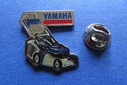 Pin's, YAMAHA, Tondeuse, Machine Agricole, Rasenmäher - Trademarks