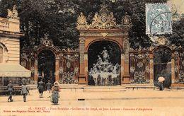 54 - Nancy - Place Stanislas - Grilles En Fer Forgé De Jean Lamour - Belle Animation Devant La Fontaine D'Amphitrite - Nancy