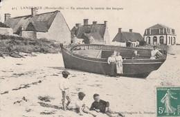MONTFARVILLE ( Landemer En Attendant La Rentrée Des Barques) - France