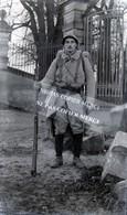 Negatif Original Taille Carte Photo Tracy Le Mont Soldat Devant Le Château D'Offemont Parc Guerre 14-18 WW1 - Guerre, Militaire