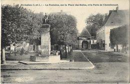 Richelieu - La Fontaine, Sur La Place Des Halles, Et La Porte De Châtellerault - France
