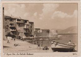 Var : SAINT  TROPEZ :  Au Port   Des  Pêcheurs - Saint-Tropez