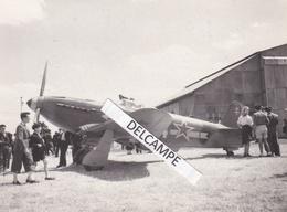 AVIATION  Guerre 39/45 Normandie Niemen - Photo Du Yak 9 Du Lt MARCHI  Sur L'Aérodrome De Chelles ( Seine Et Marne ) - Guerre, Militaire