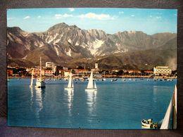 (FG.J52) MARINA DI CARRARA - PORTO E ALPI APUANE (MASSA CARRARA) VIAGGIATA 1964 - Carrara