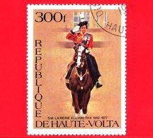 ALTO VOLTA - Usato - 1977 - S.M. La Regina Elisabetta II - A Cavallo - 300 - Alto Volta (1958-1984)