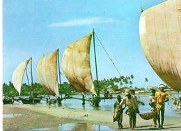 SRI LANKA : Traditional Fishing Boats - Sri Lanka (Ceylon)