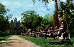 CAMBODGE  CAUSERY TO THE GATE OF VICTORY ANGKOR WAT - Cambodia