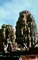CAMBODGE HEADS ON A TOWER AT BAYON ANGKOR WAT - Cambodge