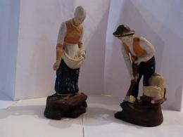Deux Personnages En Biscuit  ---  SEMEUSE ET LABOUREUR - Céramiques