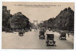 PARIS  8éme- L'avenue Des Champs Elysées Et L'Arc De Triomphe (belles Voitures,attelage) - District 08
