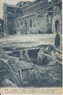 CPA   France  80  Somme   Albert  Guerre 1914-1916 Les Effets D'un Obus à L'emplacement Du Café Divry - Albert