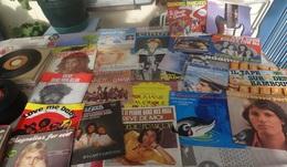 Lot De 80 Disques 45 Tours - Other