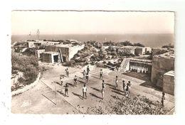 CPA 13 NIOLON U N F Centre De Niolon Terrain De Jeux Personnes Jouant Au Hand Ball Bâtiments  Peu Commune - Sonstige Gemeinden