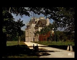 18 - MOROGUES - Chateau - France