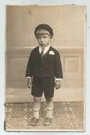 Little BOY Pose For Photo Xz104-27 - Persone Anonimi