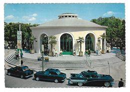 Vichy - Source De L'hôpital Automobiles Voitures - Voitures De Tourisme
