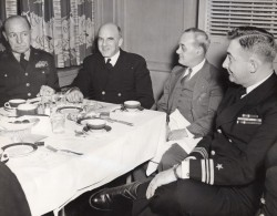 Volunteer Ordnance Unit 1-1 Boston General Rose & Sirois Ancienne Photo US Navy 1951 - War, Military