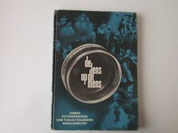 De Lens Op De Mens - Libros, Revistas, Cómics