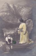 Un Ange Et Un Petit Enfant - Anges