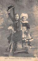 """¤¤   -  Jouet """" Cheval De Bois """"  -  Un Salut Cordial Des Petits Bretons  -  Jeux  -  ¤¤ - Cartes Postales"""