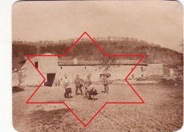 Photo 14-18 Secteur Saint-Mihiel, Vigneulles-lès-Hattonchâtel - Soldats Allemands Dans Une Ferme (A187, Ww1, Wk 1) - Other Municipalities