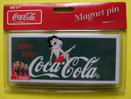 MAGNET - Pin De Collection - BETTY BOOP - Coca-Cola - NEUF Sous Emballage - 2004 - Advertising