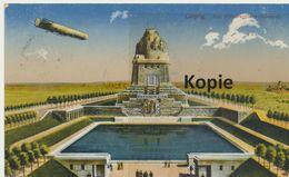 AK Leipzig, Völkerschlachtdenkmal Mit Zeppelin, (Stempel: Genesungsheim Waldfrieden Lindhardt) - Leipzig