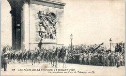 Evenement - Les Fêtes De La Victoire , 14 Juillet 1919 - Les Maréchaux Sous L'arc De Triomphe - Manifestations
