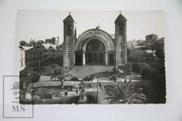 Vintage Alger - Algerie Postcard - Oran, La Cathedrale Et La Statue De Jeanne D'Arc - Oran