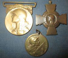 Lot 3 Medailles WW1 Sans Ruban - 1914-18