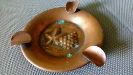 CUIVRE - Cendrier Sculpté Vigne Raisin - 10cm - Rame