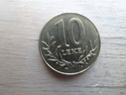 Albanie  10  Leke  2009  Km !!! - Albania
