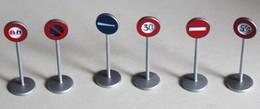 Lot 6 Panneaux Signalisation Ville Dinky Toys 2008 Mattel En Métal - Autres Collections