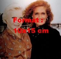 Reproduction D'une Photographie D'un Portrait De Dalida Avec Line Renaud - Reproductions