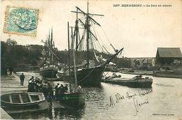 Cpa HENNEBONT - Le Port En Amont - Déchargement Bateau, Voiliers, Péniche - Hennebont