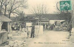 C-18-336 :  CLERY. CHANTIER DE LA MAISON E. COUTURIER. TAILLE DE PIERRE. - France