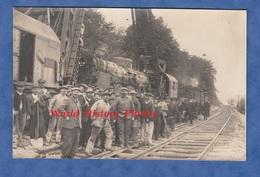 CPA Photo - LIVERDUN - Déraillement D'un Train à Identifier , Chemin De Fer De L' Est Série 11 - Ouvrier Cheminot Bahn - Gares - Avec Trains