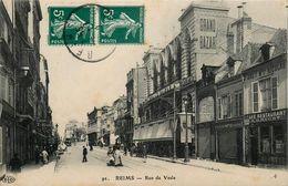 REIMS - RUE DE VESLE - GRAND BAZAR - CAFE RESTAURANT - ANIMATION - Reims