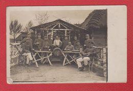Groupe De Soldats Allemands Au Repos -  Front Russe --  1914 - Guerre 1914-18