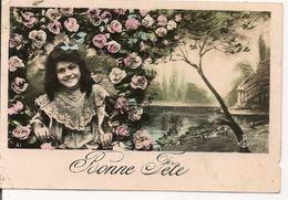 L74A 073 - Bonne Fête - Fillette Dans Un Décor De Fleurs Et Paysage - Holidays & Celebrations